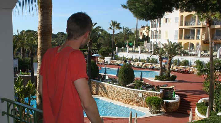 Lubo Jurík, výhľad na bazén na Malorke