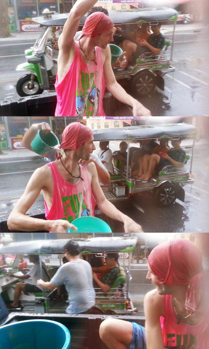 Thajský nový rok Sonkrán - jazda v pickupe