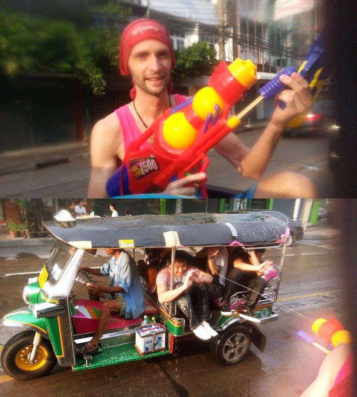 Thajský nový rok Sonkrán - vodná bitka s Tuk-tukom v uliciach Bangkoku