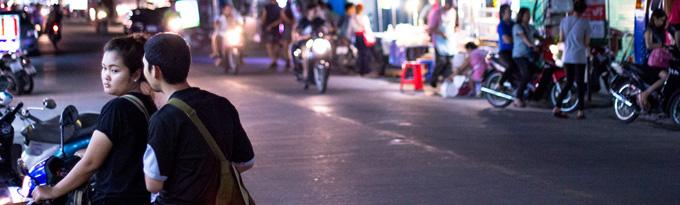 Nočný život v lokálnej štvrti Chiang Mai