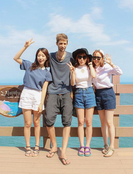 Fotka s okoloidúcimi Kórejkami