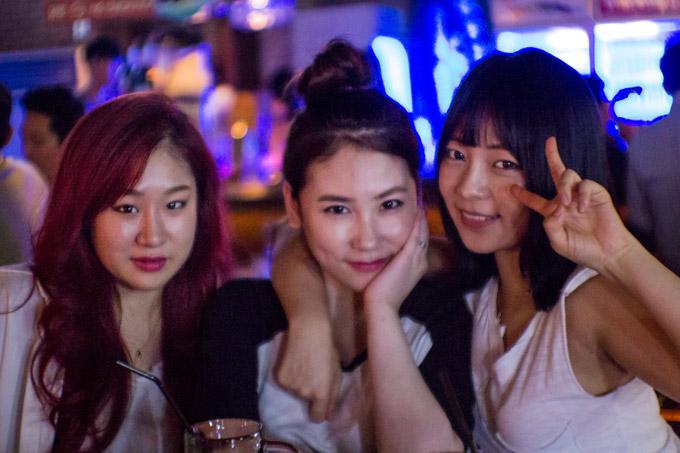 Kórejské dievčatá v bare