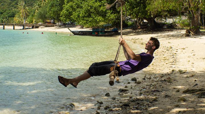 Lubo Jurík na plážovej hojdačke na ostrove Yao Yai v Thajsku
