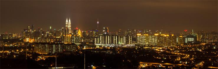 Nočná panoráma Kuala Lumpur v Malajzii