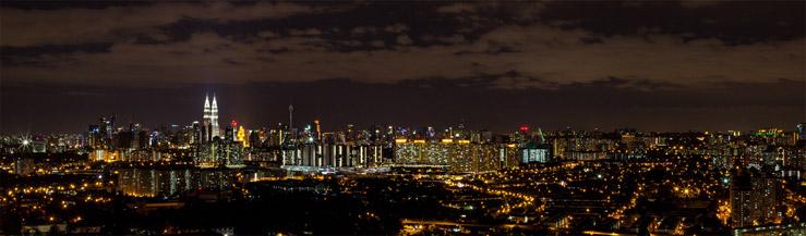 Pohľad na nočné Kuala Lumpur v Malajzii