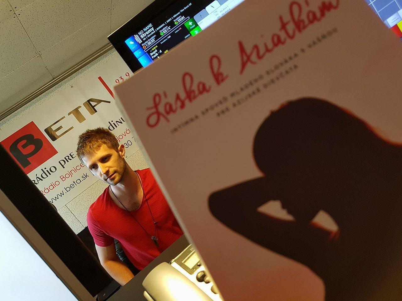 Lubo Jurík a kniha Láska k Aziatkám v Rádiu BETA